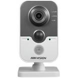IP-камера видеонаблюдения Hikvision DS-2CD2422FWD-IW цветная, Белая