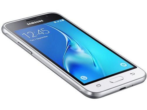 Смартфон Samsung Galaxy J1 (2016) SM-J120F/DS, белый, вид 1
