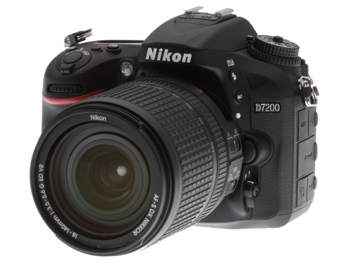�������� ����������� Nikon D7200 KIT (AF-S DX 18-105mm VR), ������, ��� 1