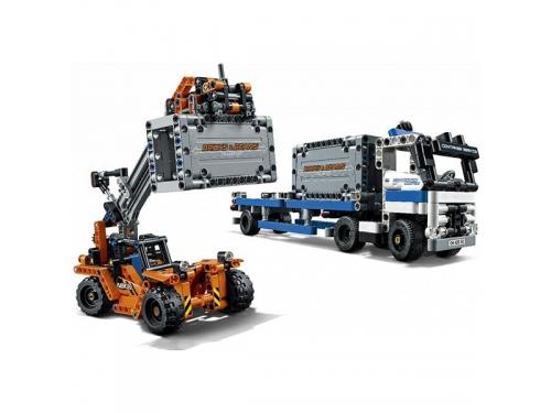 Конструктор LEGO Technic Контейнерный терминал, вид 4