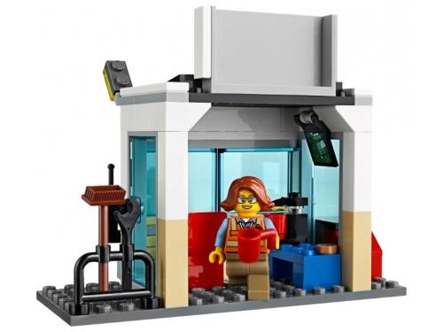 Конструктор LEGO City 60169 Грузовой терминал, вид 9