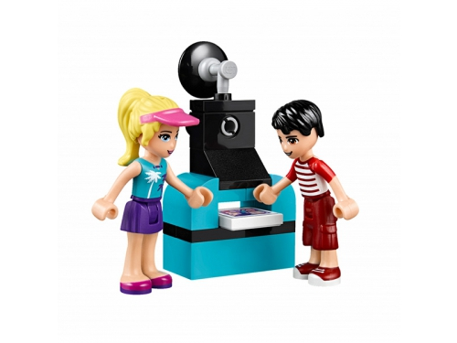 Конструктор LEGO Friends 41129 Парк развлечений: фургон с хот-догами, вид 3