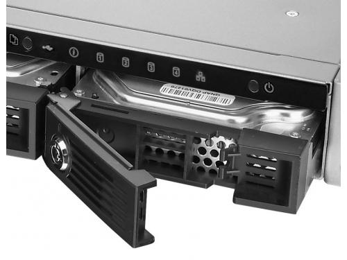 Сетевой накопитель QNAP TS-451U (без дисков, 4 отсека, серверное оборудование, 1U), вид 4