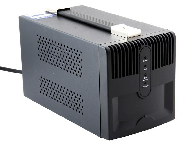 Сетевой фильтр Ippon AVR-1000 1000VA