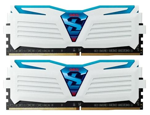 Модуль памяти Geil GLWB432GB2133C15DC (DDR4 32 Gb, 2x16 Gb, White/Blue Light)